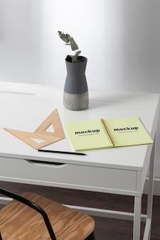 Conception Minimale De Maquette D'espace De Travail De Bureau PSD Premium