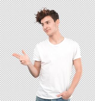 Confiant jeune homme pointant avec sa main