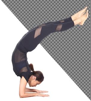 Corps mince pleine longueur peau bronzée 30s 40s asian yoga woman in black spandex dress, isolated. fille de sport exercice cheveux noirs courts pratique yoga fitness pose en méditation, fond blanc studio
