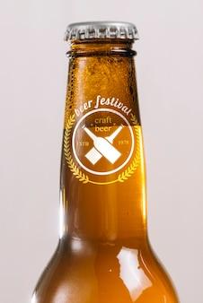Cou de bouteille de bière close-up