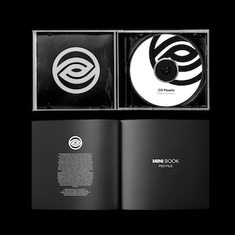 Couvercle ouvert du cd + maquette du mini-livre