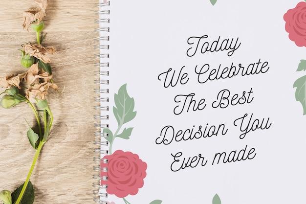 Couverture de cahier avec concept floral