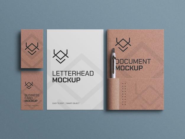 Créez des documents papier avec une maquette de cartes de visite avec un stylo