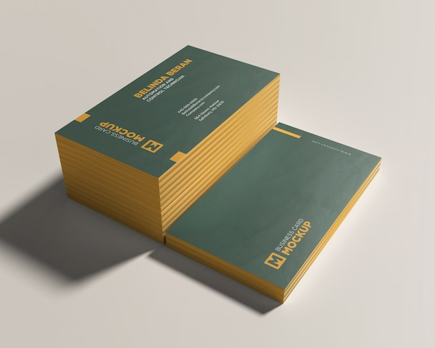 Deux maquettes de cartes de visite empilées