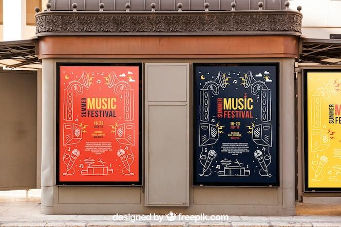 Deux maquettes de panneaux d'affichage