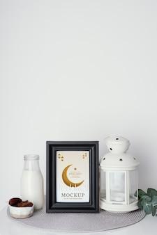Disposition d'une maquette de cadre de ramadan à l'intérieur