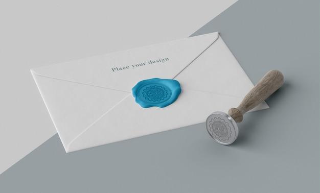 Disposition d'une maquette de sceau pour enveloppe