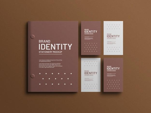Document a4 avec maquette de papeterie de cartes de visite