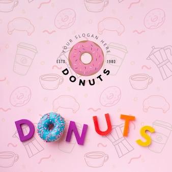 Donut et lettres avec maquette