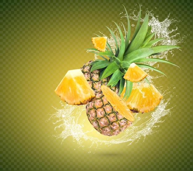 Éclaboussure d'eau sur l'ananas frais avec des feuilles isolées sur fond vert psd premium