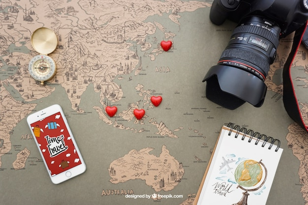 Éléments de voyage avec smartphone
