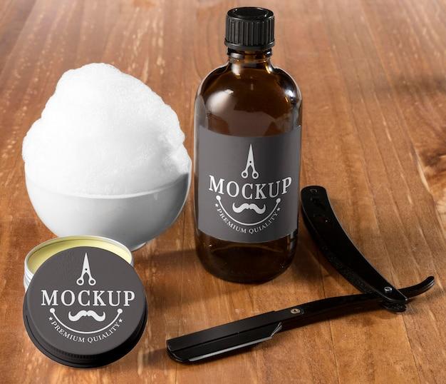 Ensemble de soins de la barbe à angle élevé avec baume et mousse à raser