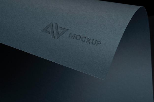 Entreprise de conception de logo roulé maquette