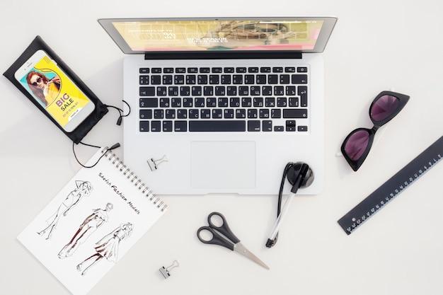 Espace de travail avec croquis et outils