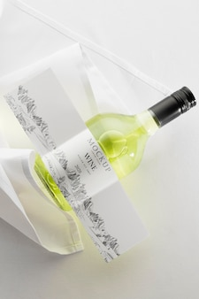 Étiquette de bouteille de vin maquette à plat