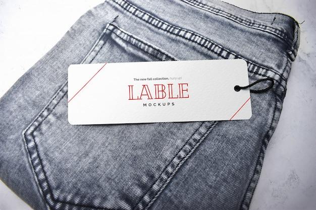 Étiquette d'étiquette et maquette de jeans