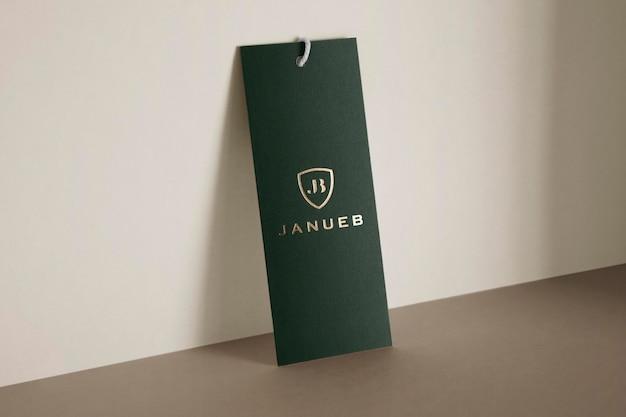 Étiquette d'étiquette de vêtements modernes de maquette de logo