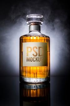 Étiquette de maquette de bouteille de whisky