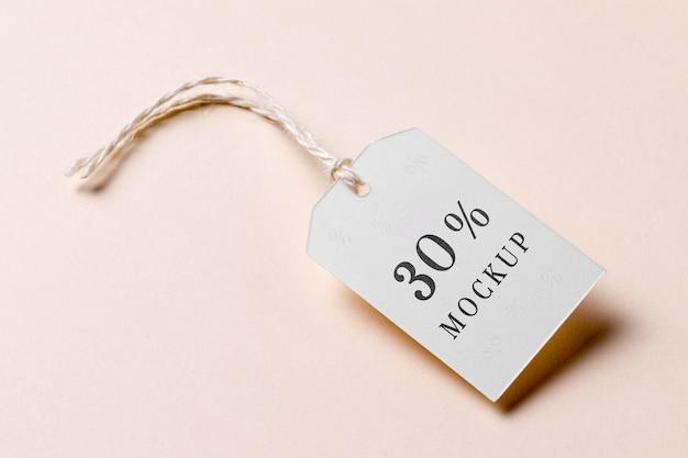 Étiquette de prix avec vue élevée de réduction