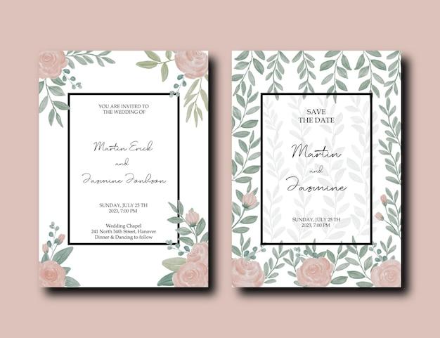 Faire-part de mariage avec des feuilles vertes autour de la carte et décoration de fleurs roses