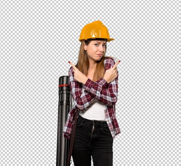 Femme architecte montrant les latéraux ayant des doutes