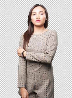Femme asiatique posant