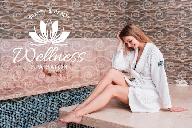 Femme au spa pour les soins de beauté