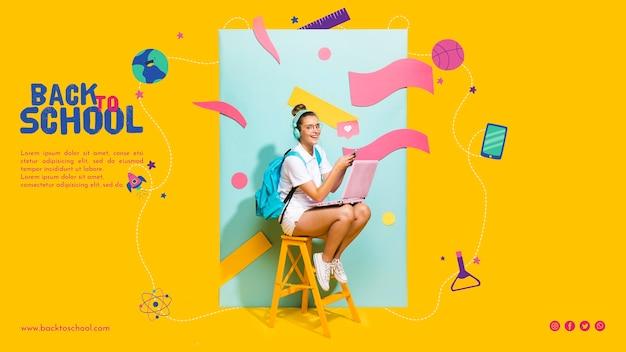 Fille adolescente heureuse assis sur une chaise