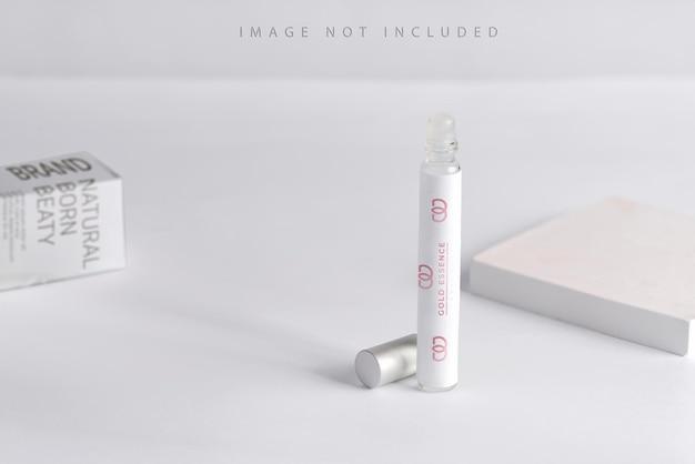 Flacon de parfum, spray de parfum mock up avec la lumière du soleil,