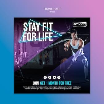 Flyer carré de modèle de formateur de fitness
