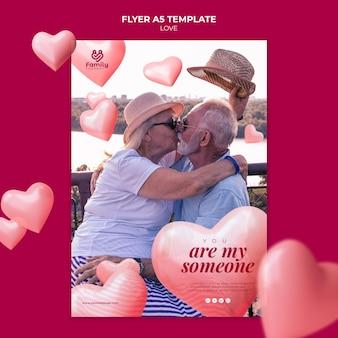 Flyer vertical couple de personnes âgées
