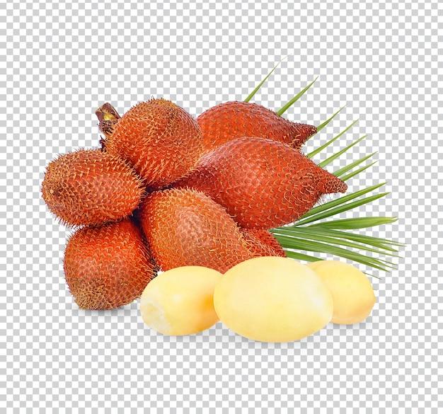 Fruit de salacca ou zalacca avec des feuilles isolées psd premium