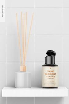 Gel désinfectant pour les mains portable avec maquette d'étiquette, sur étagère