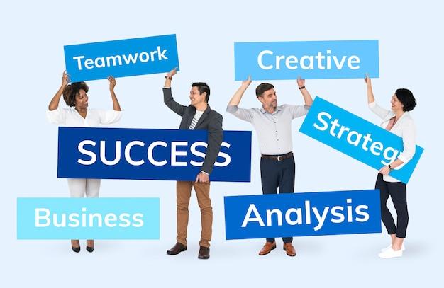 Gens d'affaires avec un plan de réussite