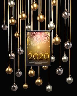 Globes d'or et d'argent suspendus pour le nouvel an