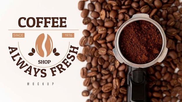 Grains de café et poudre