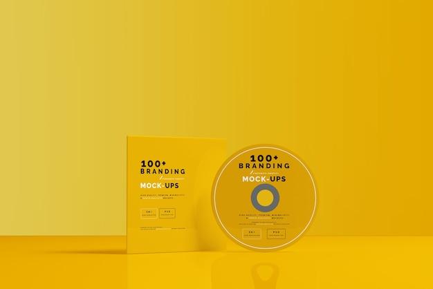 Gros plan sur l'emballage du disque cd et la maquette de la pochette