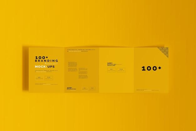Gros plan sur l'emballage de la maquette de la brochure en quatre volets
