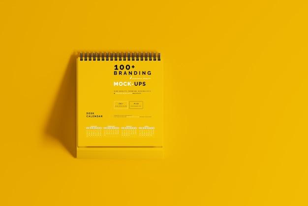 Gros plan sur l'emballage de la maquette de calendrier de bureau
