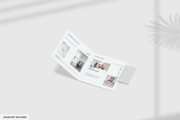 Gros plan sur la maquette de la brochure de meubles pliantes