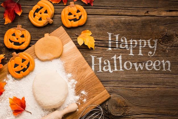 Halloween traite la pâte et le processus de cuisson