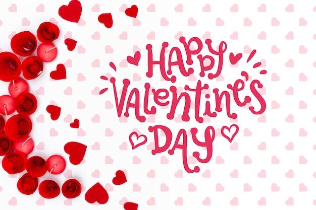 Heureux lettrage de la saint-valentin sur un joli fond