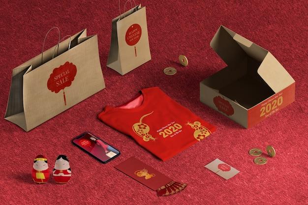 High view vente de cadeaux spéciaux avec papier d'emballage et boîtes