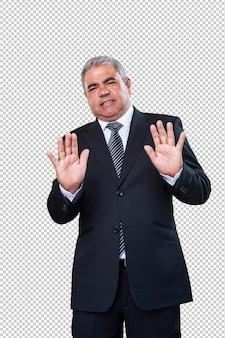 Homme d'affaires faisant un geste d'arrêt