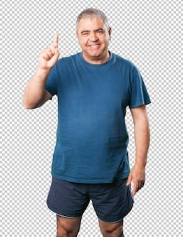 Homme d'âge mûr numéro un geste