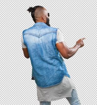 Homme noir danse