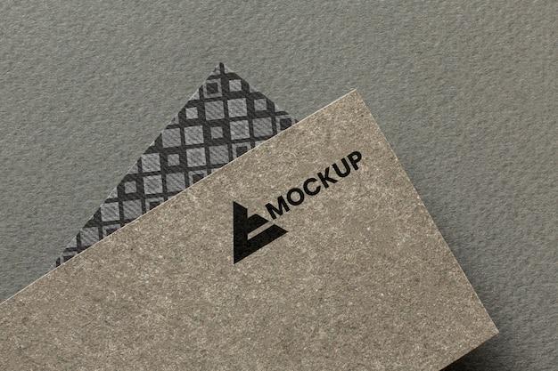 Image de marque d'entreprise sur l'arrangement de maquette de carte