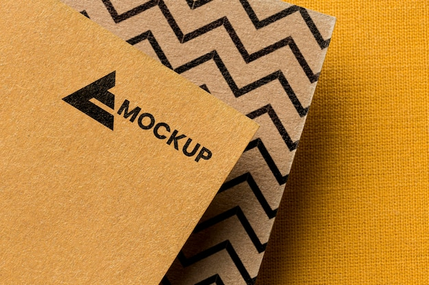 Image de marque de l'entreprise sur la composition de la maquette de la carte