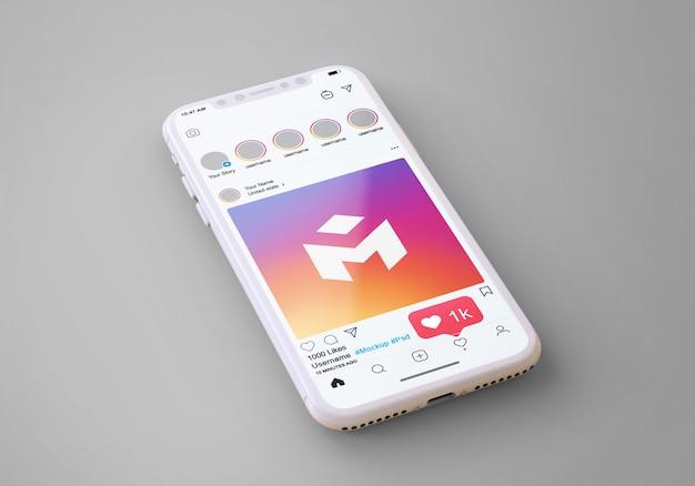 Instagram de médias sociaux sur la maquette de téléphone mobile