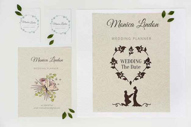 Invitation de mariage élégante vue de dessus